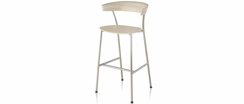 Chaise-longue-en-bois-herman-miller-leeway1