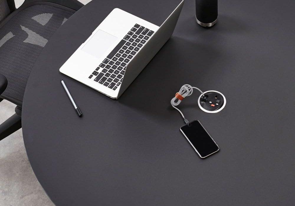 Table-civic-connectivite-ordinateur-mobilier-de-bureau-herman-miller